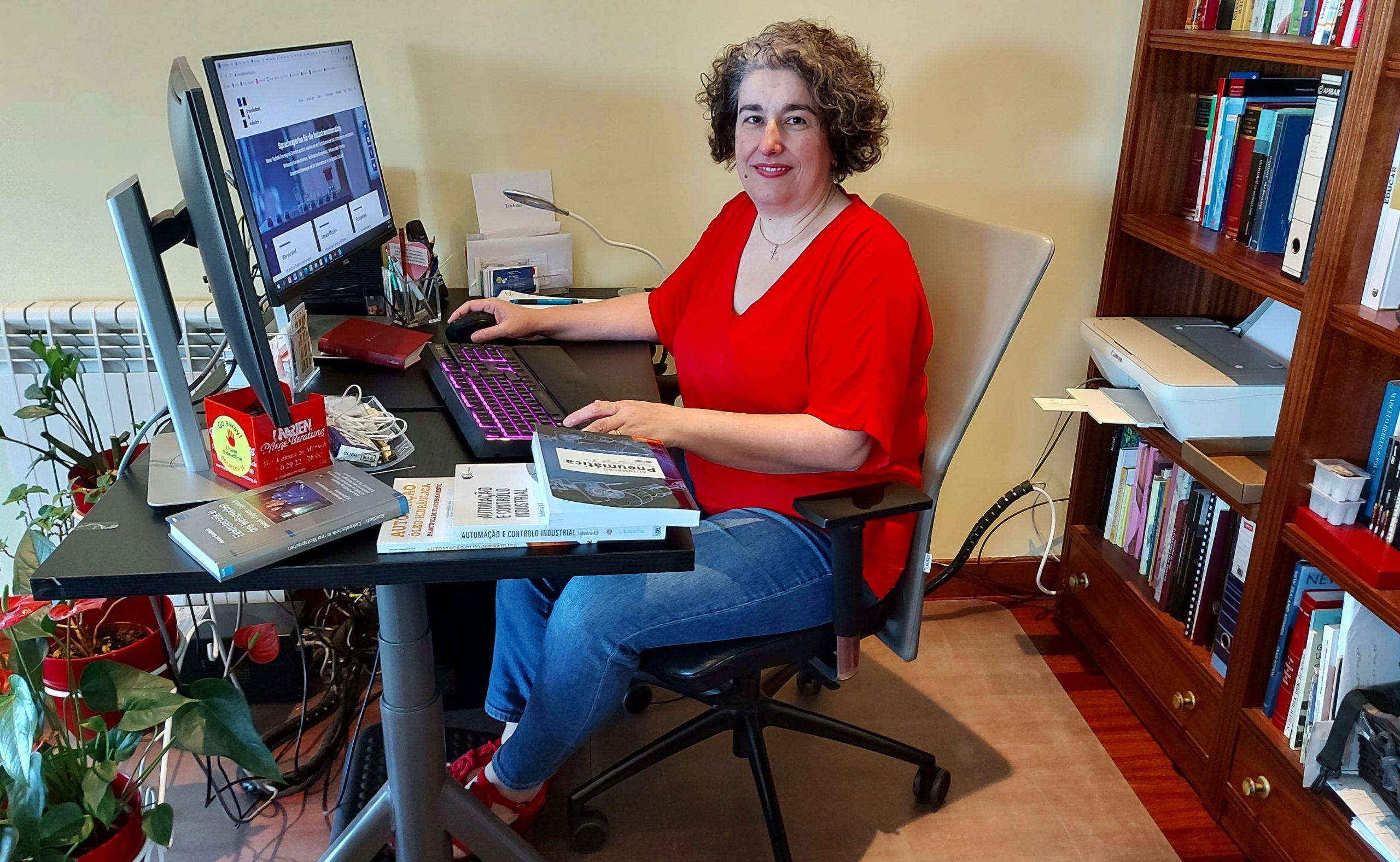 Elisabete Costa an ihrem Arbeitsplatz